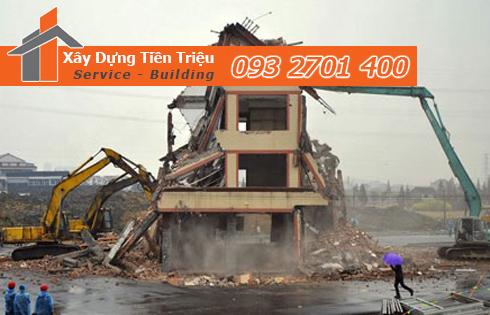 Tháo dỡ nhà Quận Bình Tân bằng cơ giới.
