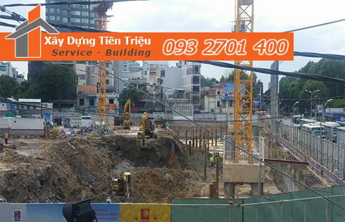 Thi công đào đất tầng hầm Huyện Nhà Bè bằng cơ giới.