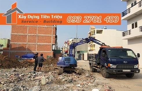 Đào móng công trình cơ giới Quận Tân Phú.