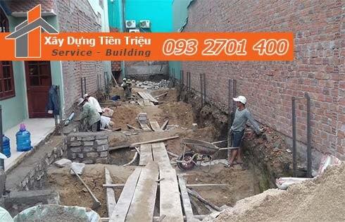 Quy trình đào móng nhà dân tại Quận Tân Phú.