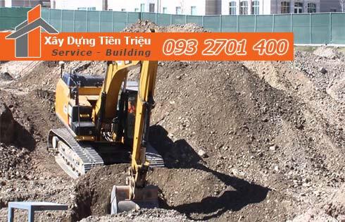 Thi công đào đất tầng hầm Quận 2 bằng cơ giới.