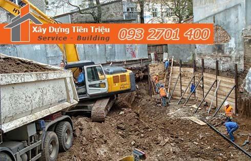 Thi công đào đất tầng hầm Quận 6 bằng cơ giới.