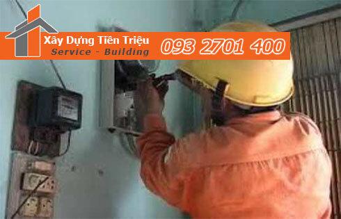 Đội thợ sửa điện tại Huyện Nhà Bè.