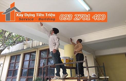 Lắp đặt trần thạch cao sẽ có mức giá cao hơn những trần nhà bình thường một chút.